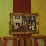 Tableaux décorant la chambre 25