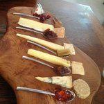 5 Cheeese board with chutneys