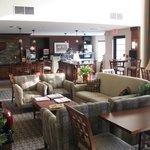 lounge / breakfast buffet in rear