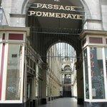 Entrée de la Galerie Pommeraye