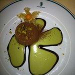 Mousse al cioccolato con crema di pistacchi