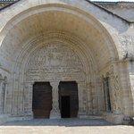 fronton de l'église de beaulieu sur dordogne