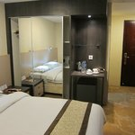 good quality furnishings - Hermes Palace Hotel Medan