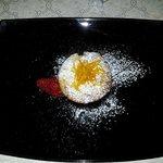 DOLCE :pastiera napoletana tiepida con salsa all'arancio.