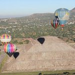 balloons teotihuacan