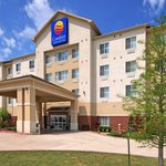 Comfort Inn and Suites Exterior