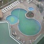 piscina piche llena de sedimentos