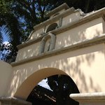 arch above entry to pool and outdoor yard