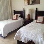 second bedroom- 2 twin beds