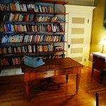 La Bibliothèque- The Library