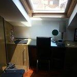 scrivania e tv