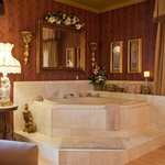 Victorian Suite Jacuzzi