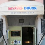 Entrance to Donner´s Brunn