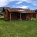 The Scout is a single bedroom cabin, but also includes a washer and dryer for guest use.