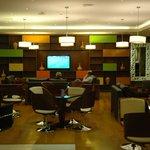 Areas de comedor y espacios comunes del hotel en la planta baja...