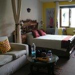 Girasoles room