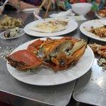 Steamed Crab and Garlic & Butter Prawns