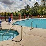 Hampton Inn Thomson - Pool