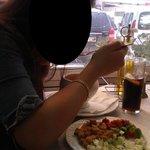 gazpacho con picatostes, pimiento rojo y verde, y pepino