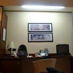 Placard con espejo y escritorio