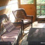 Nice Screened in Sitting room-Porch