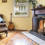 Banksia Cottage Open Fireplace