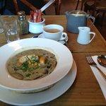 sopa de jamón ahumado y champiñones