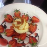 strawberrys , balsamic & home made green peppercorn icecream!!