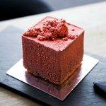 Strangas Pure Strawberry cake - dark chocolate crema with strawberry