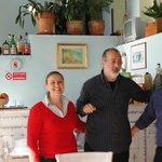 Restaurant mit den Hotelbesitzern (auch Köchin) und Antonio