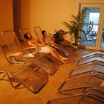Wellness mit Sauna, Dampfbad, IR-Kabine, Ruheraum, Teebar, Tepedarium, Erlebnis- und Massagedusc