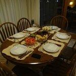 Um jantar preparado na cabana