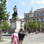 picture of statue rubens hilton antwerp background