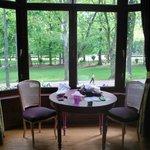 Suite w bay window