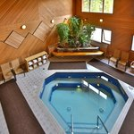 Hot Tub & Steam Room