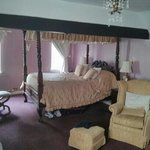 Romeo and Juliet four poster bed.
