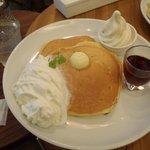 淀屋橋駅付近にはパンケーキ屋のバターがあります