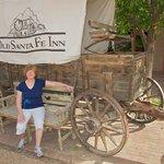 Covered Wagon outside the Old Santa Fe Inn