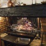 肉を焼く暖炉