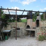 Pizza oven & BBQ area