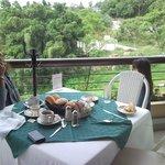 Desayuno en la terraza del resaurante