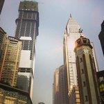 Chongqing - det byggs överallt! Ofärdiga skyskrapor varvas med färdiga.