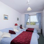 Double and Single Room Ensuite at The Waterfront House