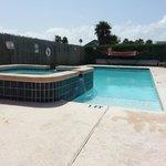 Pool and Hot-Tub