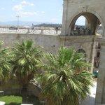 La porta d'accesso vista dal bastione