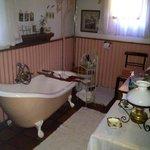 The Ox wagon en suite bathroom