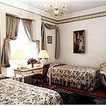 Cherished Memories - Queen Bed - en suite with seated shower