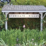 Stonegate Villas Sign