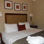 Very comfortable bedroom - well presented