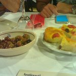 coperto: olive e focaccia